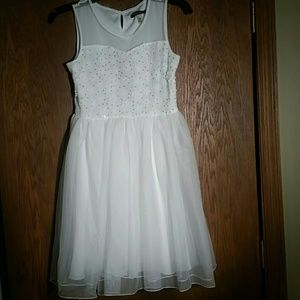 Xtraordinary Other - NEw Girls White Fornal Dress Size 14