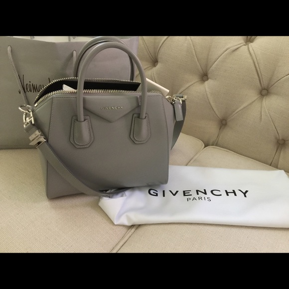fcc4f81f8ef5 BRAND NEW Givenchy Antigona -- Small Grey