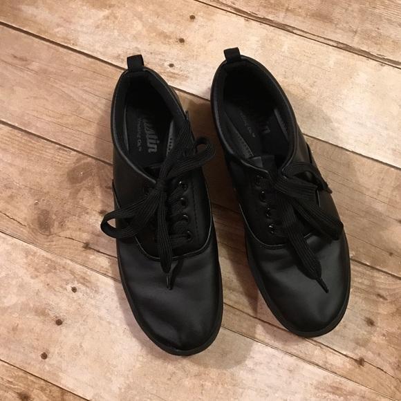 Austin Plain Black Work Tennis Shoes Sz