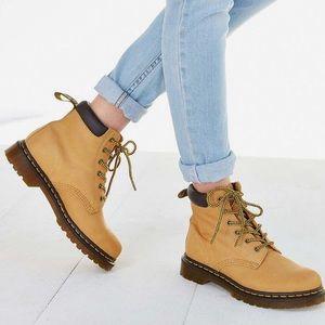 Dr. Martens Shoes - Dr. Martens eye hiker tan timberland like boots