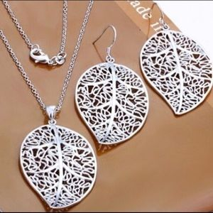 Jewelry - ✨Silver Plated Leaf Shaped Jewelry Set ✨