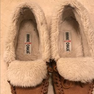 38d3a38796c Minnetonka Shoes - Minnetonka Trina folded faux fur trapper
