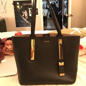 2b873b591c6d Buy michael kors new handbags > OFF70% Discounted