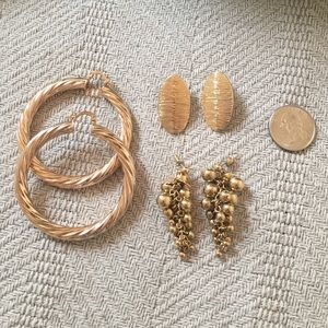 Jewelry - Gold earring Lot big hoops grape dangle twist 😻🎉
