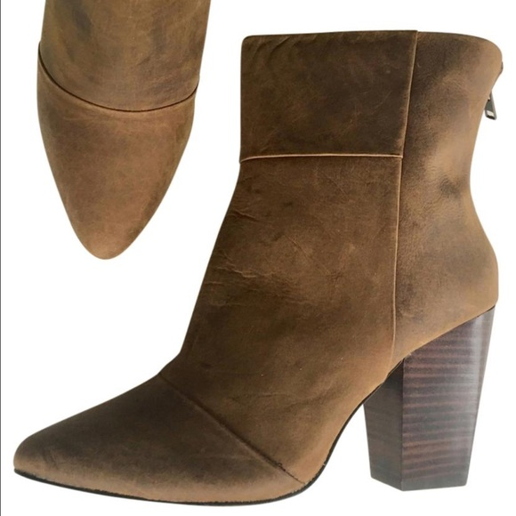 0d5e2dbbf38 NEW KELSI DAGGER brown leather ankle boots 9.5