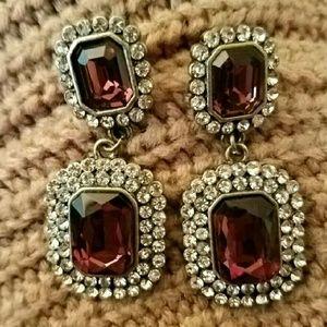 Jewelry - Lovely purple earrings