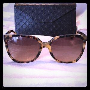 Gucci Accessories - Authentic Gucci tortoise shell Sunglasses