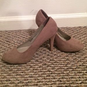Studio Paolo Taupe High Heels 7.5