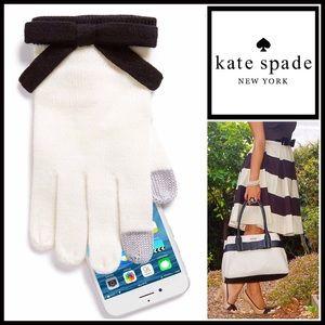 kate spade Accessories - ❗️1-HOUR SALE❗️KATE SPADE BOW GLOVES Tech Friendly