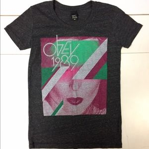 Obey Tops - ❣️Obey Graphic T-Shirt Size XS