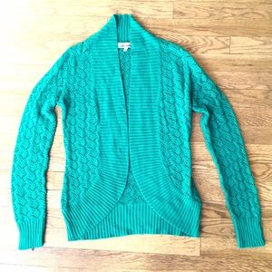 Sweaters - 🎉2 for $12 Sale🎉 Green Perforated Cardigan