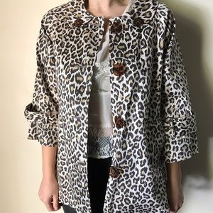 Oversized leopard print trench with pockets