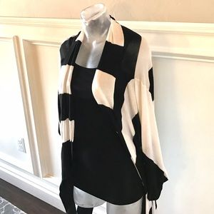 Forever 21 Sweaters - Black & White Sweater