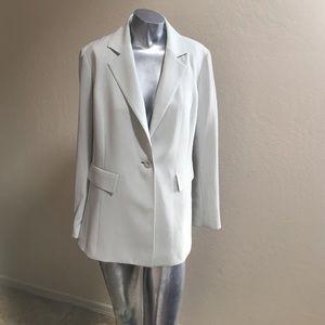 St. John Jackets & Blazers - 🍀St. John Green Size 6 Blazer Silk Lined Gorgeous