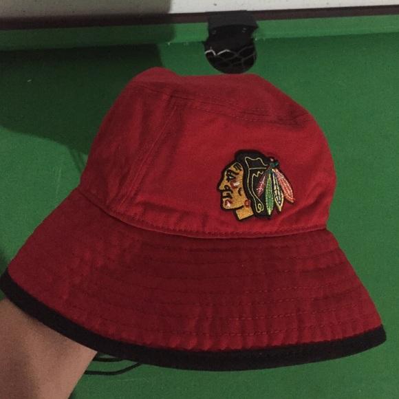... NHL Blackhawks Bucket Hat. M 586c21b956b2d65f9e01a7f0 117b25983d85