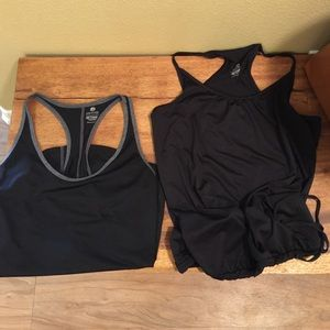 Lot of 2 black old navy workout tank tops sz small