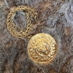 Vintage Jewelry - Vintage Lion Pendant Necklace