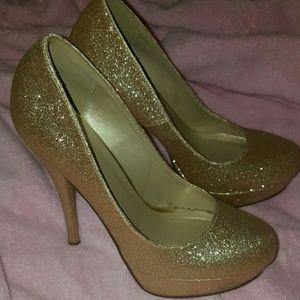 Shoes - ☄Gold Sparkly Platform Heels ☄