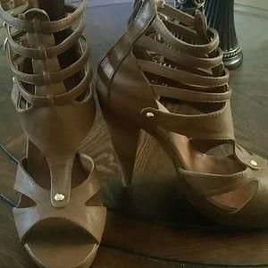 Size 7 brown heels