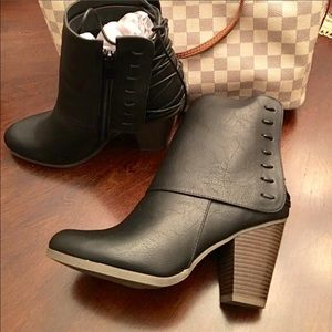 Journee Collection Shoes - Black booties. NIB