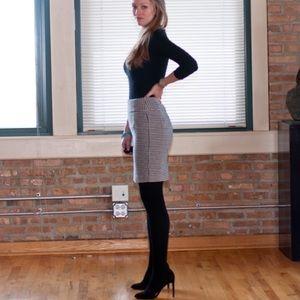 🍂FALL STAPLE🍂 Banana Republic Skirt - Size 0