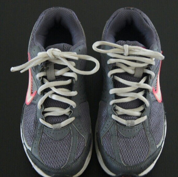 7a24ff3e1244b Nike Shoes - WOMEN S GRAY AND PINK NIKE DART 7 RUNNING SHOES
