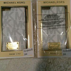 Michael Kors Accessories - Phone case