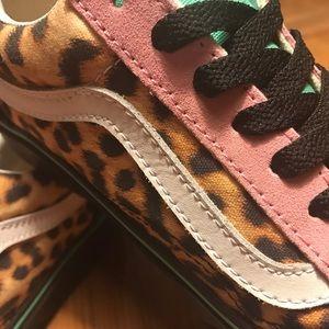 5d17f4a0af84 Vans Shoes - Vans Custom Leopard Teal Pink Old Skools M5 W6.