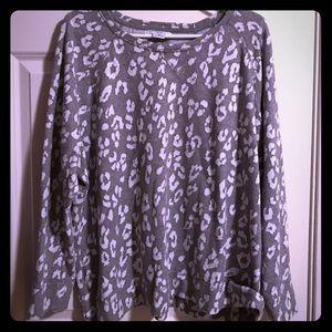 Liz Claiborne Tops - Gray/White Leopard Print Sweatshirt