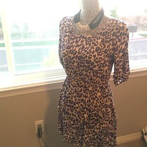 Forever 21 Dresses & Skirts - 🎉HP🎉Animal Print Dress with Pockets