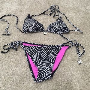 Black and white bikini . Size xs