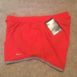 Nike Pants - NWT size medium Nike dri-fit shorts