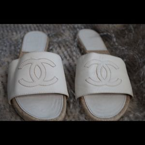 Chanel white leather expadrilles/sandals size 39