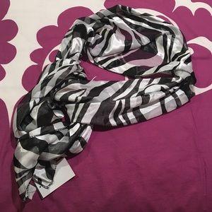 Accessories - Black & White Zebra Print Scarf