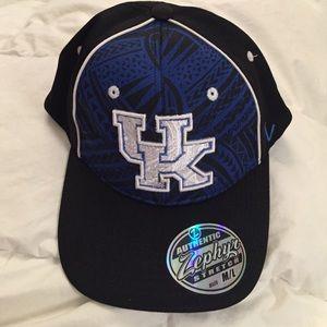 Zephyr Other - University of Kentucky Flex Fit hat sz M/L