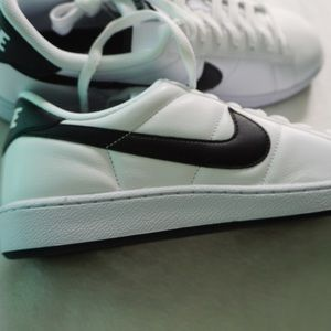 Nike Other - NEW NIKE TENNIS CLASSIC