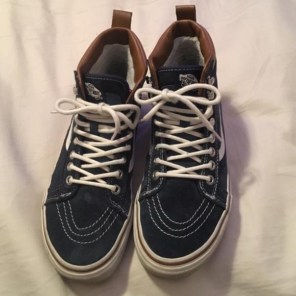 3878b4d3e6 Vans waterproof blue suede size 8 woman 6.5mens