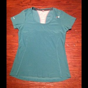 Under Armour Aqua semi-fitted Top. Size M.