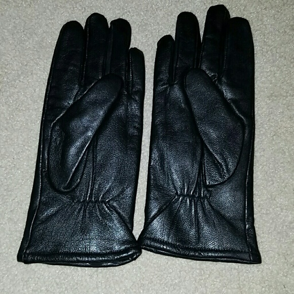 Chadwicks Accessories - Price firm Leather black gloves