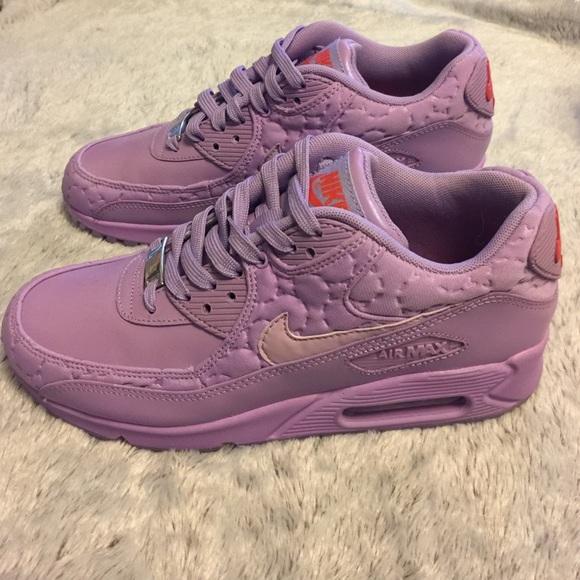 7d4939fd913d0 Nike Air Max 90 QS Paris Macaron Purple. M 58635541620ff77a301af2e2