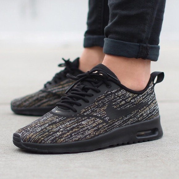 Nike air max Thea black jacquard gold size 7.5