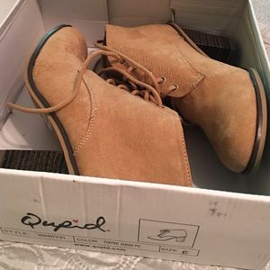 Qupid Shoes - Qupid - Toffee Suede Booties Varsity-01 Size 6