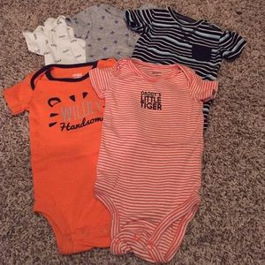 Set of 5 short sleeve onesies
