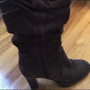 Women's Size 7 Via Spiga Brown Suede Boot
