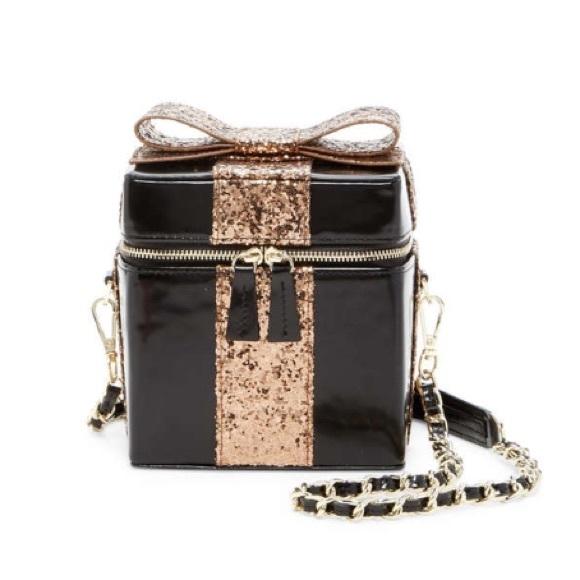 10686eb65dbcb2 Alice + Olivia Bags | Alice Olivia Present Gift Box Leather Bag ...