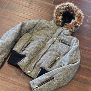 Gorgeous Hooded Coat faux fur. Gold zippers