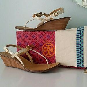 Tory Burch thong sandal   nwt 10.5