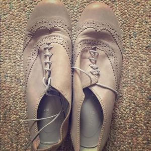 Andre Shoes - Light grey oxfords