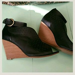 Shoes - Clarks  wedges
