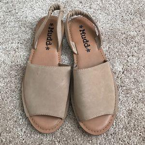 Mudd slide suede sandals size 7